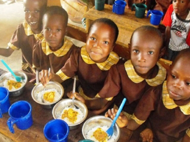 Mysterious School feeding during lockdown